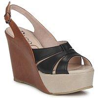 Schoenen Dames Sandalen / Open schoenen Paco Gil RITMO SELV  camel / Zwart