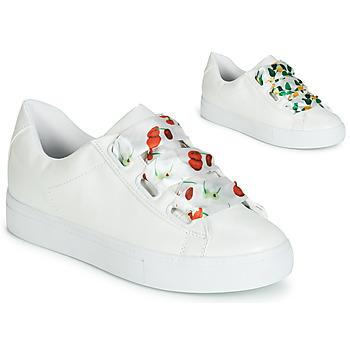 Schoenen Dames Lage sneakers André SOLANGE Wit