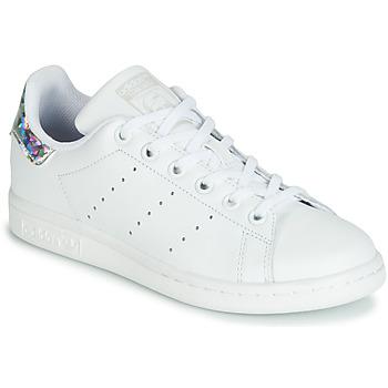 Schoenen Meisjes Lage sneakers adidas Originals STAN SMITH J Wit / Zilver