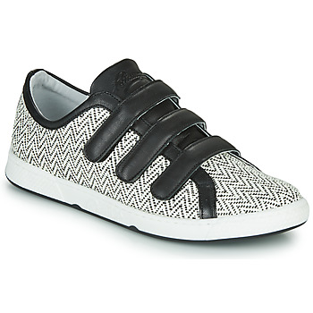 Schoenen Dames Lage sneakers Pataugas JULIETTE Zwart / Wit