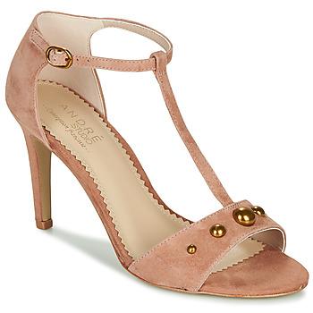 Schoenen Dames Sandalen / Open schoenen André LA DOMPTEUSE Roze