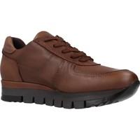 Schoenen Dames Lage sneakers Carmela 67099C Bruin