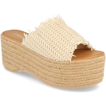 Schoenen Dames Leren slippers Silvian Heach TS-6 Beige