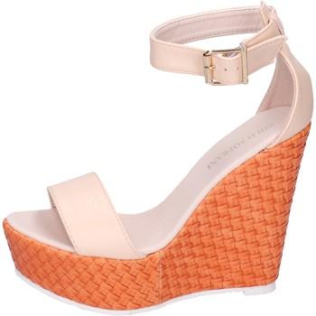 Schoenen Dames Sandalen / Open schoenen Solo Soprani Sandales BN641 Beige