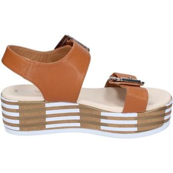 Schoenen Dames Sandalen / Open schoenen Tredy's sandali pelle sintetica Marrone