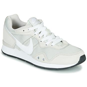 Schoenen Dames Lage sneakers Nike VENTURE RUNNER Beige / Wit