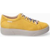 Schoenen Dames Lage sneakers Mephisto FANYASILK Geel