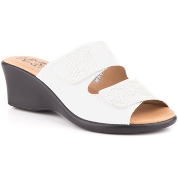 Schoenen Dames Leren slippers Cbp - Conbuenpie Sandalias de piel de mujer by Alto Estilo Blanc