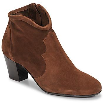 Schoenen Dames Enkellaarzen Betty London NORIANE  camel / Velours