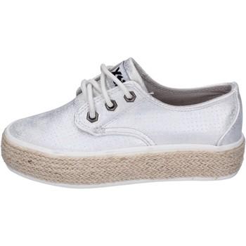 Schoenen Meisjes Lage sneakers Xti BM817 Argent