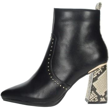 Schoenen Dames Enkellaarzen Menbur 21962 Black