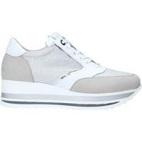 Schoenen Dames Lage sneakers Comart 1A3468 Zilver