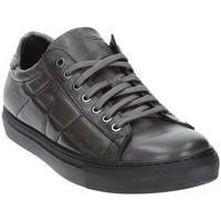 Schoenen Heren Lage sneakers Exton 217 Grijs