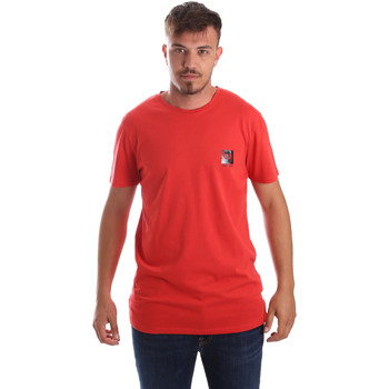Textiel Heren T-shirts korte mouwen Byblos Blu 2MT0010 TE0045 Rood