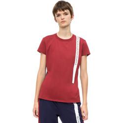 Textiel Dames T-shirts korte mouwen Calvin Klein Jeans 00GWH8K169 Rood