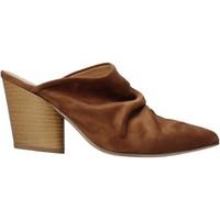 Schoenen Dames Klompen Grace Shoes 7241003 Bruin
