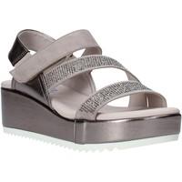 Schoenen Dames Sandalen / Open schoenen Comart 503428 Beige
