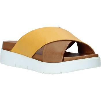 Schoenen Dames Leren slippers Bueno Shoes 9N3408 Geel