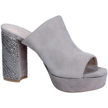 Schoenen Dames Leren slippers Alma En Pena V18256 Grijs