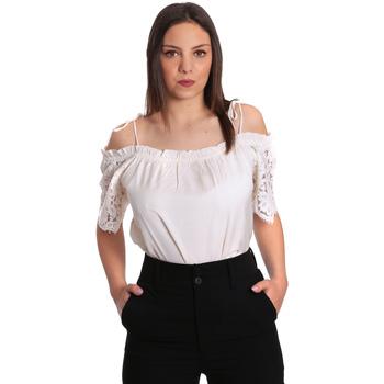 Textiel Dames Tops / Blousjes Gaudi 811FD45011 Beige