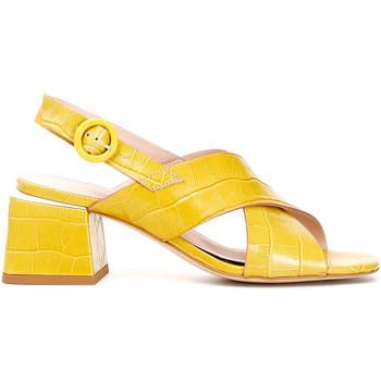 Schoenen Dames Sandalen / Open schoenen Café Noir LF124 Geel