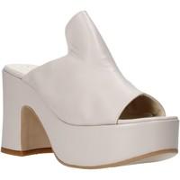 Schoenen Dames Leren slippers Esther Collezioni RM 20S Beige
