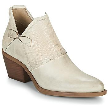 Schoenen Dames Sandalen / Open schoenen Casta DOLCE Beige