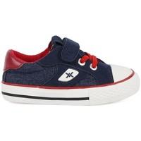 Schoenen Jongens Lage sneakers Chika 10 24453-18 Blauw