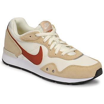 Schoenen Dames Lage sneakers Nike NIKE VENTURE RUNNER Beige / Brown