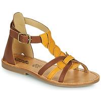 Schoenen Meisjes Sandalen / Open schoenen Citrouille et Compagnie GITANOLO Geel /  camel