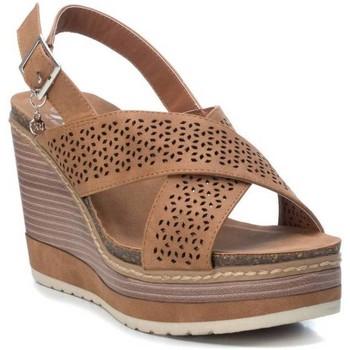 Schoenen Dames Sandalen / Open schoenen Xti 103748 Bruin