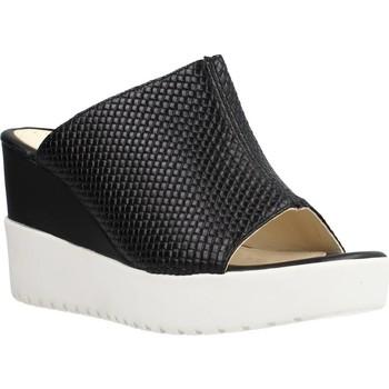 Schoenen Dames Leren slippers Stonefly ELY 4 CALF INTRECCIATO Zwart