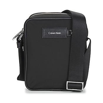 Tassen Heren Tasjes / Handtasjes Calvin Klein Jeans URBAN UTILITY REPORTER S Zwart