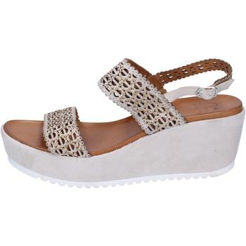 Schoenen Dames Sandalen / Open schoenen Femme Plus BJ892 Beige