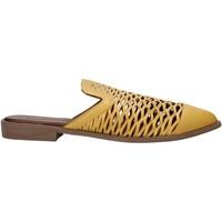 Schoenen Dames Klompen Bueno Shoes 21WN0103 Geel