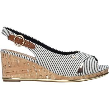 Schoenen Dames Sandalen / Open schoenen Wrangler WL11653A Beige