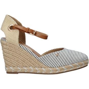 Schoenen Dames Sandalen / Open schoenen Wrangler WL11620S Beige
