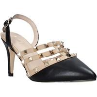 Schoenen Dames Sandalen / Open schoenen Gold&gold A21 GP47 Zwart