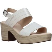 Schoenen Dames Sandalen / Open schoenen CallagHan 28700 Beige
