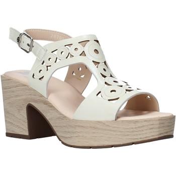 Schoenen Dames Sandalen / Open schoenen CallagHan 28701 Beige