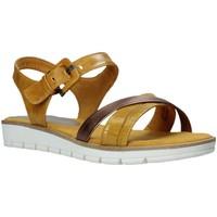 Schoenen Dames Sandalen / Open schoenen Marco Tozzi 2-2-28607-26 Geel