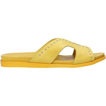Schoenen Dames Leren slippers Sshady MRT233 Geel