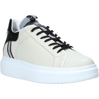 Schoenen Dames Sneakers Café Noir DE1210 Beige