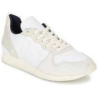 Schoenen Dames Lage sneakers Veja HOLIDAY LOW TOP Wit / Beige