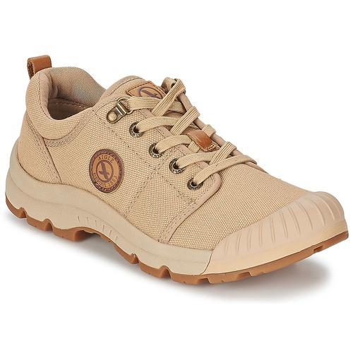 Schoenen Heren Lage sneakers Aigle TENERE LIGHT LOW CVS Zand