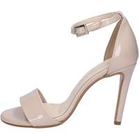 Schoenen Dames Sandalen / Open schoenen Olga Rubini Sandales BY289 Beige