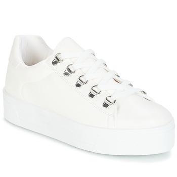 Schoenen Dames Lage sneakers André CROCHET Wit
