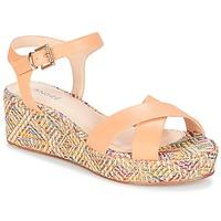 Schoenen Dames Sandalen / Open schoenen André KEA Ecru
