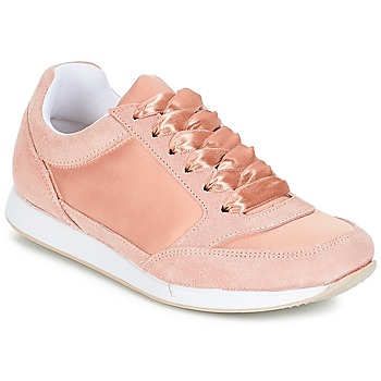 Schoenen Dames Lage sneakers André OPERA Roze